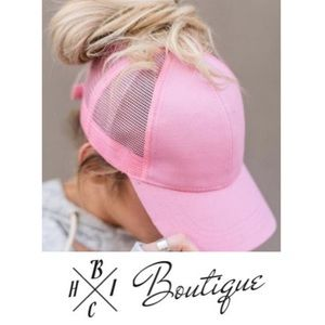 Accessories - New! Ponytail baseball trucker hat in Pink